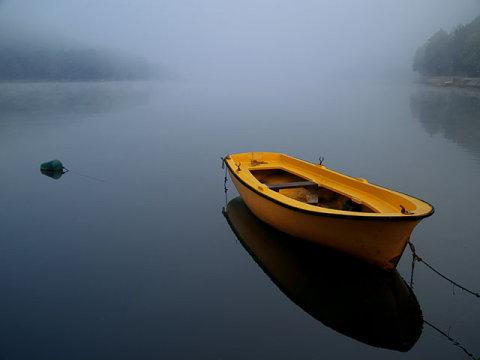 stillness-boat-the-art-of-living-blog-1
