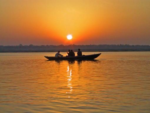 stillness-boat-the-art-of-living-blog-2