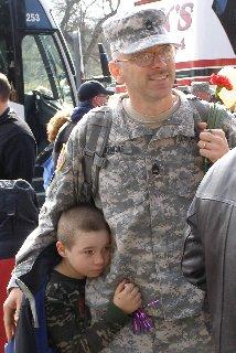 guard_soldier,_child