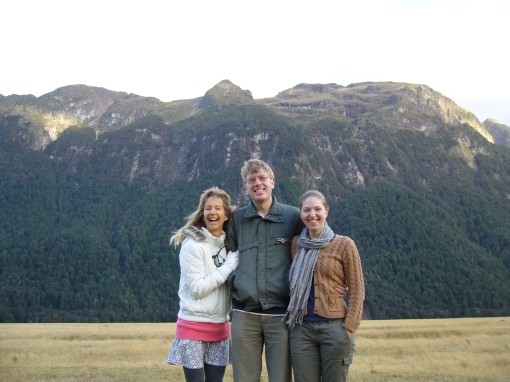 Lucia, Toby and Amira on the road to Milford Sound