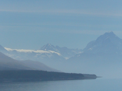 Aoraki (Mount Cook) as seen from the Te Araroa Trail on the side of Lake Pokaki